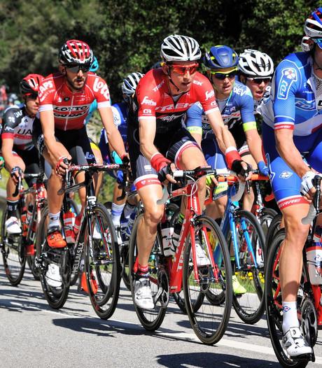 Nacer Bouhanni wint ingekorte etappe in Catalonië