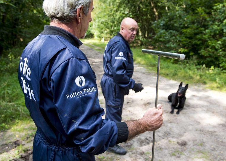 Archiefbeeld. Belgische en Nederlandse politie speurden in de bossen nabij Rucphen naar het lichaam. (2014)