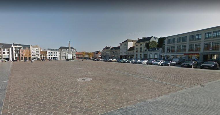 Het incident speelde zich af op de Grote Markt in Ronse.