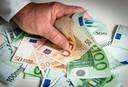 Nederlandse gemeentes waren de laatste vijf jaar volgens een overzicht van EenVandaag 126 miljoen euro kwijt aan wachtgeldregelingen voor wethouders. Lelystad is daarin koploper met ruim 1,8 miljoen euro.