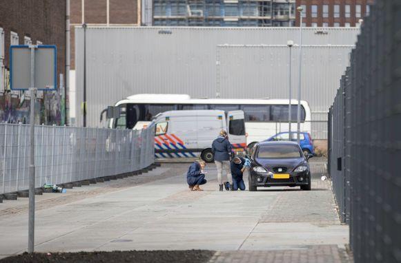 De broer van kroongetuige Nabil B., die verklaringen had afgelegd tegen de Mocro-maffia, werd goed een week geleden doodgeschoten in Amsterdam. De vluchtauto werd teruggevonden nabij de plaats delict.