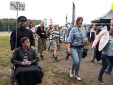 Even weg uit de festivaldrukte? Fields of Joy heeft de Rolstoeltaxi