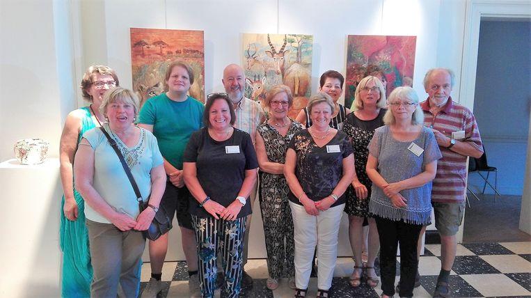 De kunstkring De Buizingse Spits stelt nog tot en met 7 juli tentoon in de Oude Post in Halle.