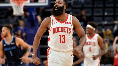 James Harden loodst Houston met 49 punten andermaal naar de zege