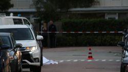 Advocaat van kroongetuige doodgeschoten in Amsterdam, jonge schutter gevlucht