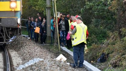 150 treinreizigers geëvacueerd in Serskamp