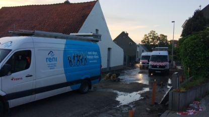 Honderden huizen zonder water door groot lek in Katstraat