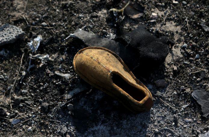 Une chaussure retrouvée sur l'épave de l'avion qui a été abattu.