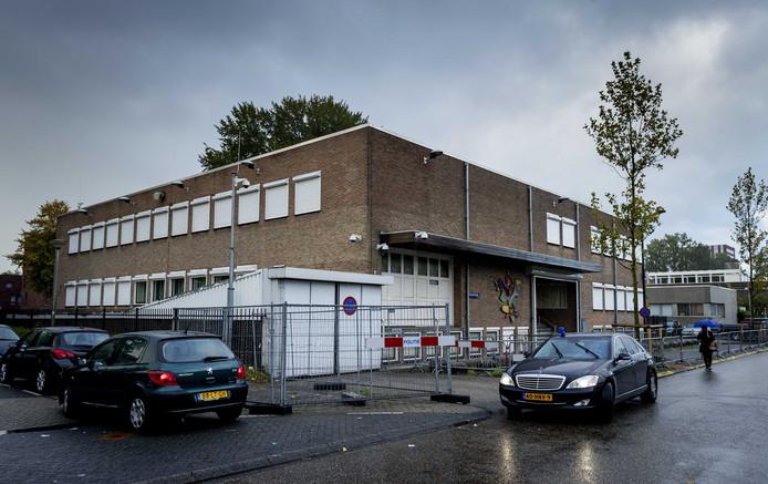 De speciaal beveiligde rechtbank De Bunker waar de strafzaak tegen Willem Holleeder wordt voortgezet.