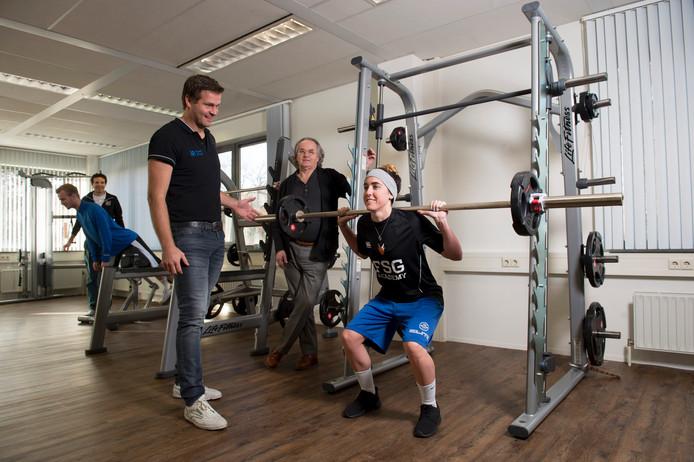 """Gerke Houwer (r) en Maarten Ruijs starten maandag met hun sportpraktijk op het terrein van de Full Force Sports Group. """"We hopen dat ook andere sporters ons weten te vinden."""""""