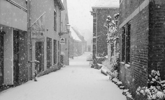 Het centrum van Ravenstein kleurt wit. Mooi plaatje!