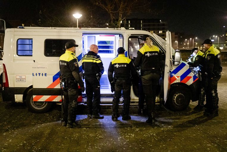 Het was begin december al verschillende avonden onrustig in Duindorp (Den Haag).  (archieffoto)