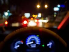 Beschonken Hengeloër (55) belandt met auto in voortuin