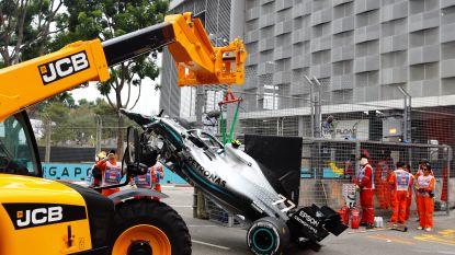 Verstappen snelste, Bottas crasht en Leclerc rijdt versnellingsbak stuk in eerste oefensessie GP Singapore
