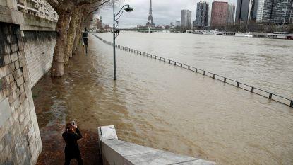 Parijs staat onder en verwacht wordt dat het water nog stijgt