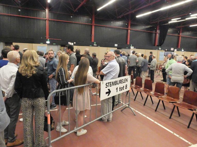 Het stemmen in de Brielpoort liep deze ochtend minder chaotisch dan in oktober.