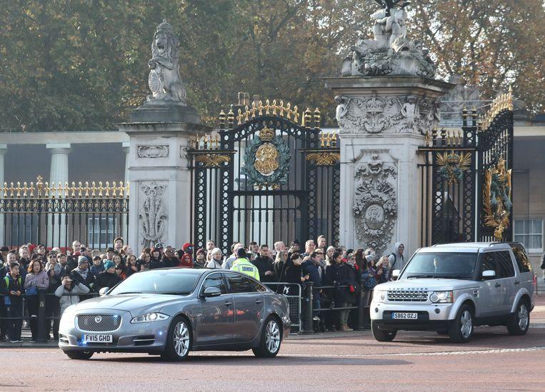 Johnson verliet vanmiddag Buckingham Palace waar hij de Queen om de ontbinding van het parlement vroeg.