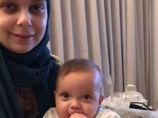Azra (26) heeft leukemie en beviel tijdens chemo: 'Alleen behandeling in buitenland kan haar nog redden'