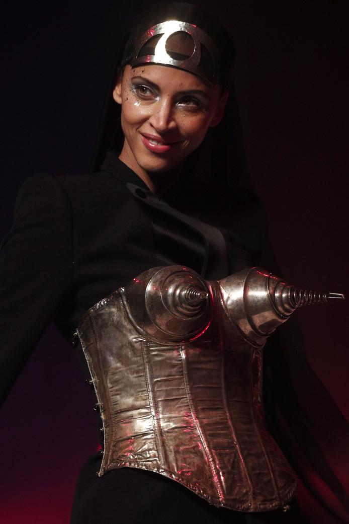Frans model Noemie Lenoir.