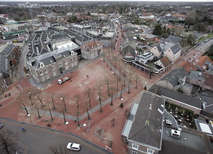 Het centrum van Deurne gezien vanuit de torenspits van de Sint-Willibrorduskerk (archieffoto).