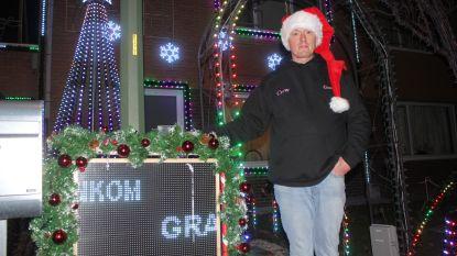 FILMPJE: Het Aalsters Kersthuisje brengt mooiste lichtshow met 64.000 kerstlichtjes