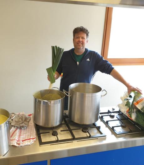 Boskoper kookt drie keer per week soep voor eenzame ouderen: 'Ik vond dat ik wat moest doen'