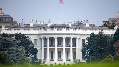 Trump hangt vlaggen Witte Huis weer halfstok voor McCain na protest én eert de overleden senator dan tóch