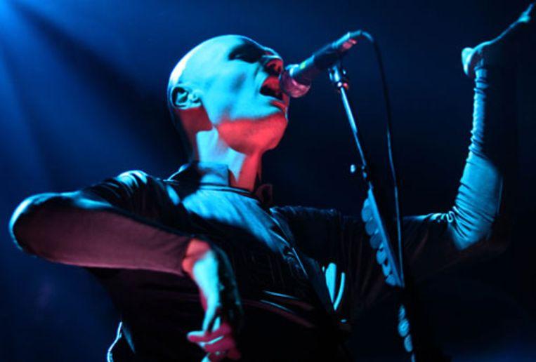 Zanger Billy Corgan van de Smashing Pumpkins. De Amerikaanse band trad maandagavond op in de Brabanthallen in Den Bosch. (ANP) Beeld