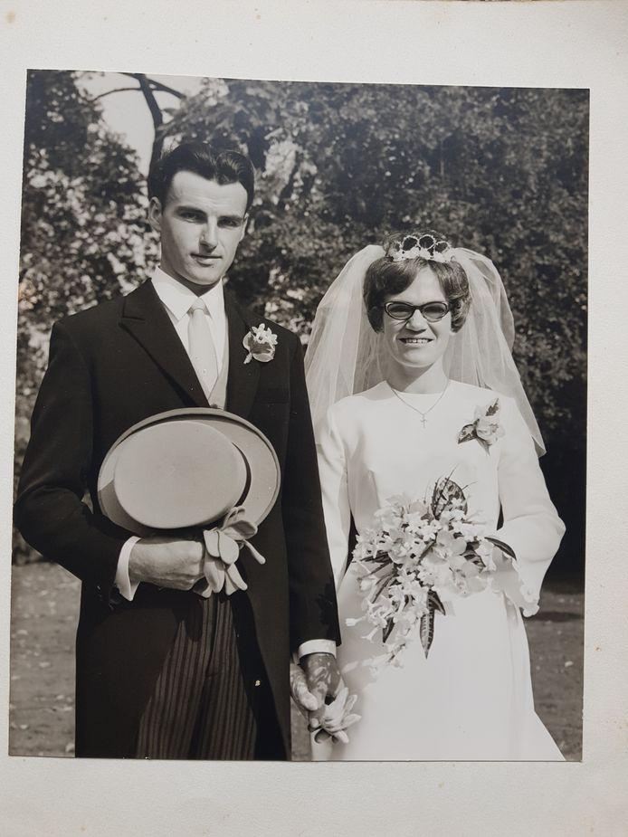 Bruidspaar Verberne-Roijackers op 25 september 1970.