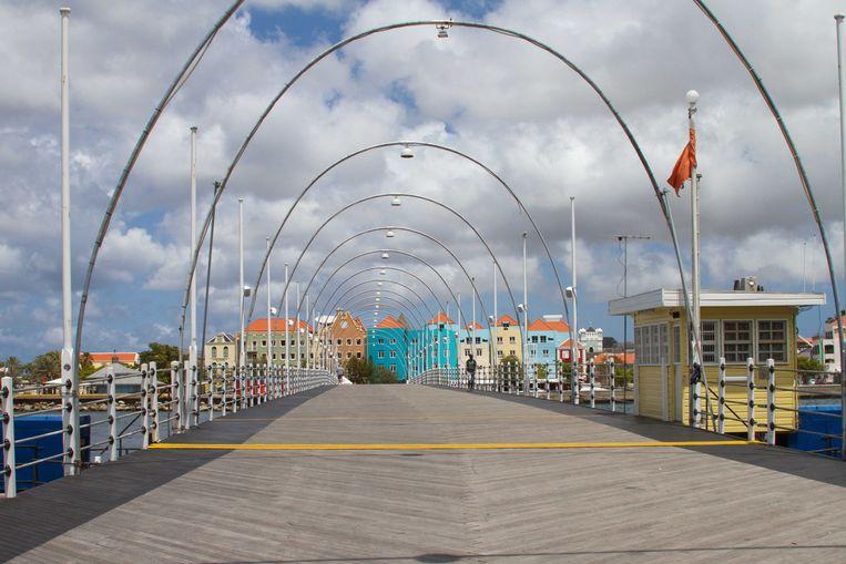 Rustige straten in Willemstad. Ook op Curaçao gelden maatregelen tegen het coronavirus.  Beeld ANP