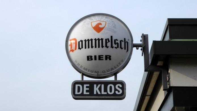 Het nieuws over Dommelsch zag Hans van Grunsven uit Valkenswaard al even aankomen. Hij fotografeerde dit bord tijdens een wandeling in Borne.