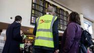 """Lange wachtrijen op Zaventem door actie bewakingsagenten: """"Kom op tijd naar de luchthaven"""""""