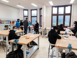 """Nieuwbouw avAnt Provinciaal Onderwijs officieel ingehuldigd: """"Dit gebouw wordt het uithangbord voor een modern provinciaal onderwijs"""""""
