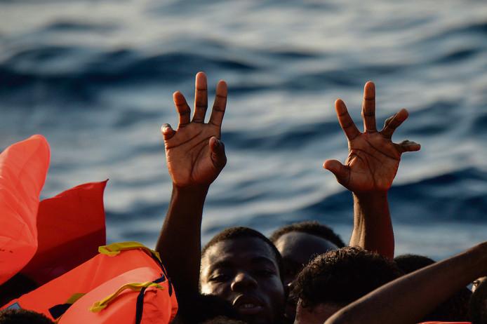Vluchtelingen vanuit Libië op zoek naar een beetje 'geluk'.