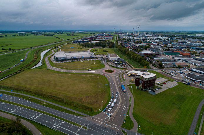 Kampen wil detailhandel gaan toestaan op het Melmerpark om de verkoop van grond weer vlot te trekken. Vier projectontwikkelaars hebben er op aangedrongen.