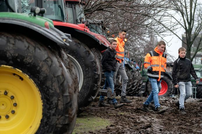 Nederland,  Den Bosch, boerenprotest bij het provinciehuis