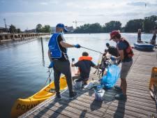 Tweede opruimactie River Cleanup: 150 vrijwilligers vissen ruim 400 kilogram afval uit water