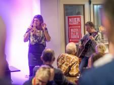 Genieten van livemuziek in Haaksbergse huiskamers