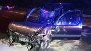 Auto overkop op E313 in Olen