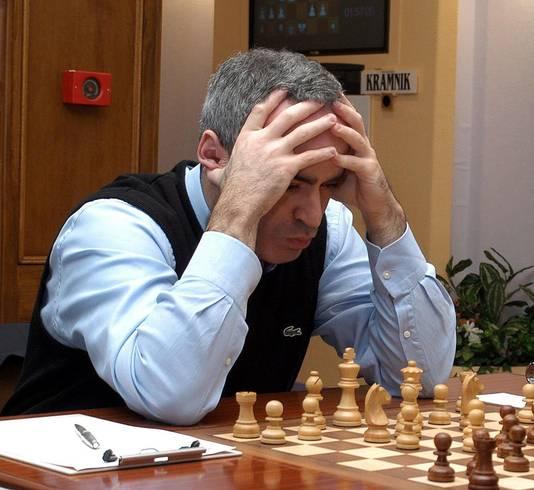 Garry Kasparov als schaker, hier in 2003