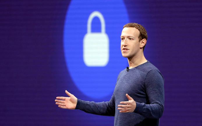 Mark Zuckerberg, de ceo van Facebook, tijdens een speech in San Jose, Californië. Er dreigt een hoge boete voor het bedrijf vanwege het schenden van privacyregels.