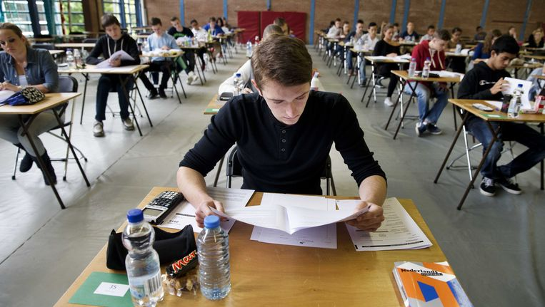 Leerlingen doen eindexamen. Beeld anp