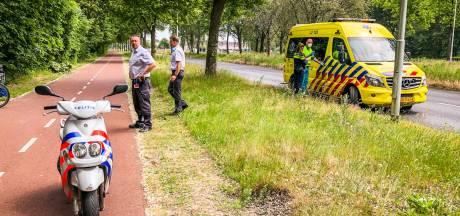 Twee fietsers botsen op elkaar in Eindhoven: één gewonde