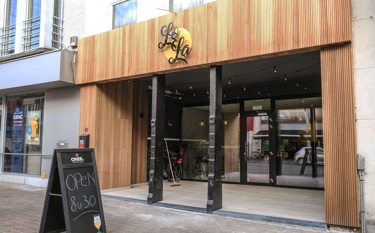 In de nieuwe koffiezaak LoLa in de Rijselstraat in Menen kan je ontbijten, maar ook bagels kopen om mee te nemen.