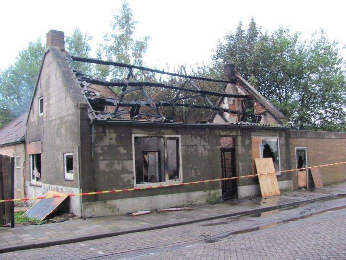 Huis uitgebrand aan de Kapelstraat in Velddriel.