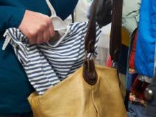 Moeder en dochter die 97 kledingstukken stalen, krijgen celstraf tot 2 jaar