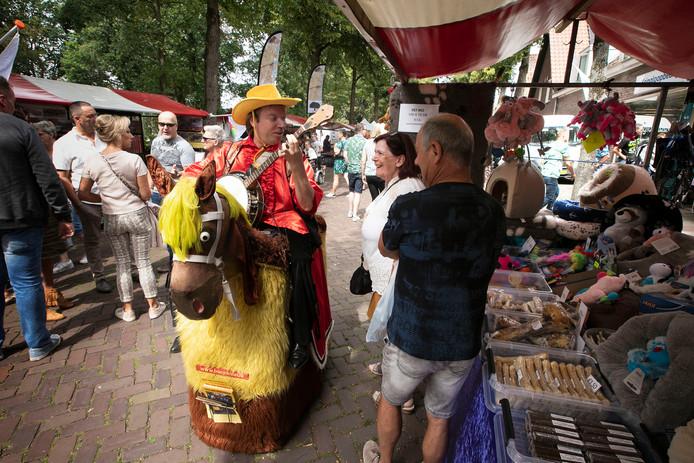 Er viel genoeg te zien op de Reuselse zomermarkt.