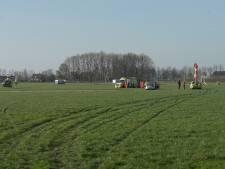 Parachutist Teuge na 'stevige landing' naar ziekenhuis