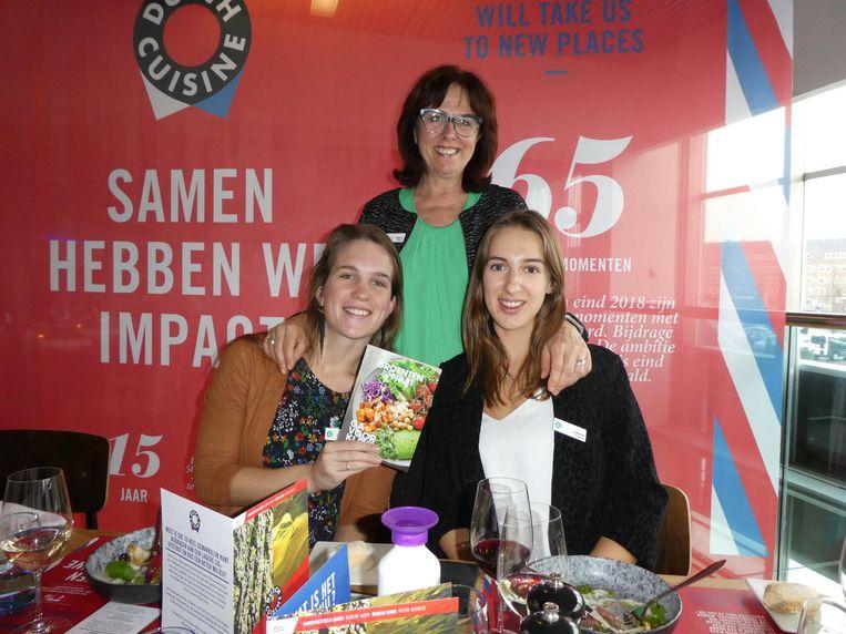 Maaike de Leeuw, Nancy Lentjes en Juliette Goldbach van het Nationaal Actieplan Groente en Fruit. Beeld Hans van der Beek
