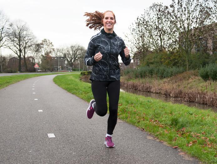 Lisette Brekelmans begint 5 januari een sportieve uitdaging: 50 weken lang, 5 keer per week 5 mijl lopen om geld op te halen voor de Stichting Endometriose.
